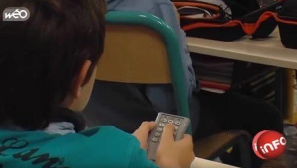 Boitiers de vote interactifs à radiofréquences avec système d'évaluation